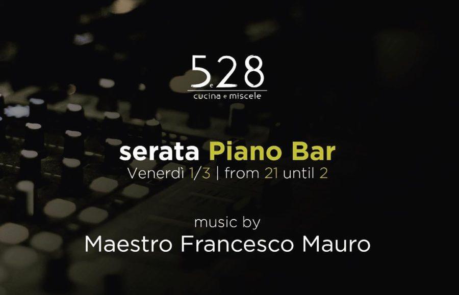 piano Bar live music