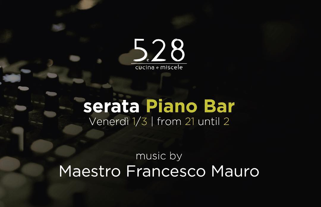 piano Bar live music